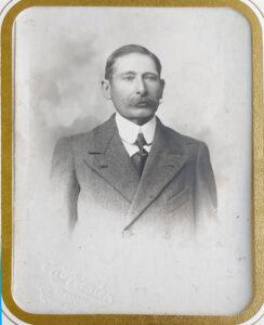 Maison fondée en 1895 - Douay Collinse - Image du créateur Arthur Douay